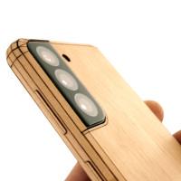 Maple wood Samsung Galaxy S21 wrap.