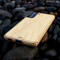 Maple wood cover for Samsung Galaxy S21 phone.