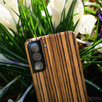 Zebrawood Samsung Galaxy S21 Toast cover, lifestyle.