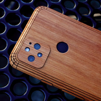 Wooden case cover for Google Pixel 5 in lyptus wood.