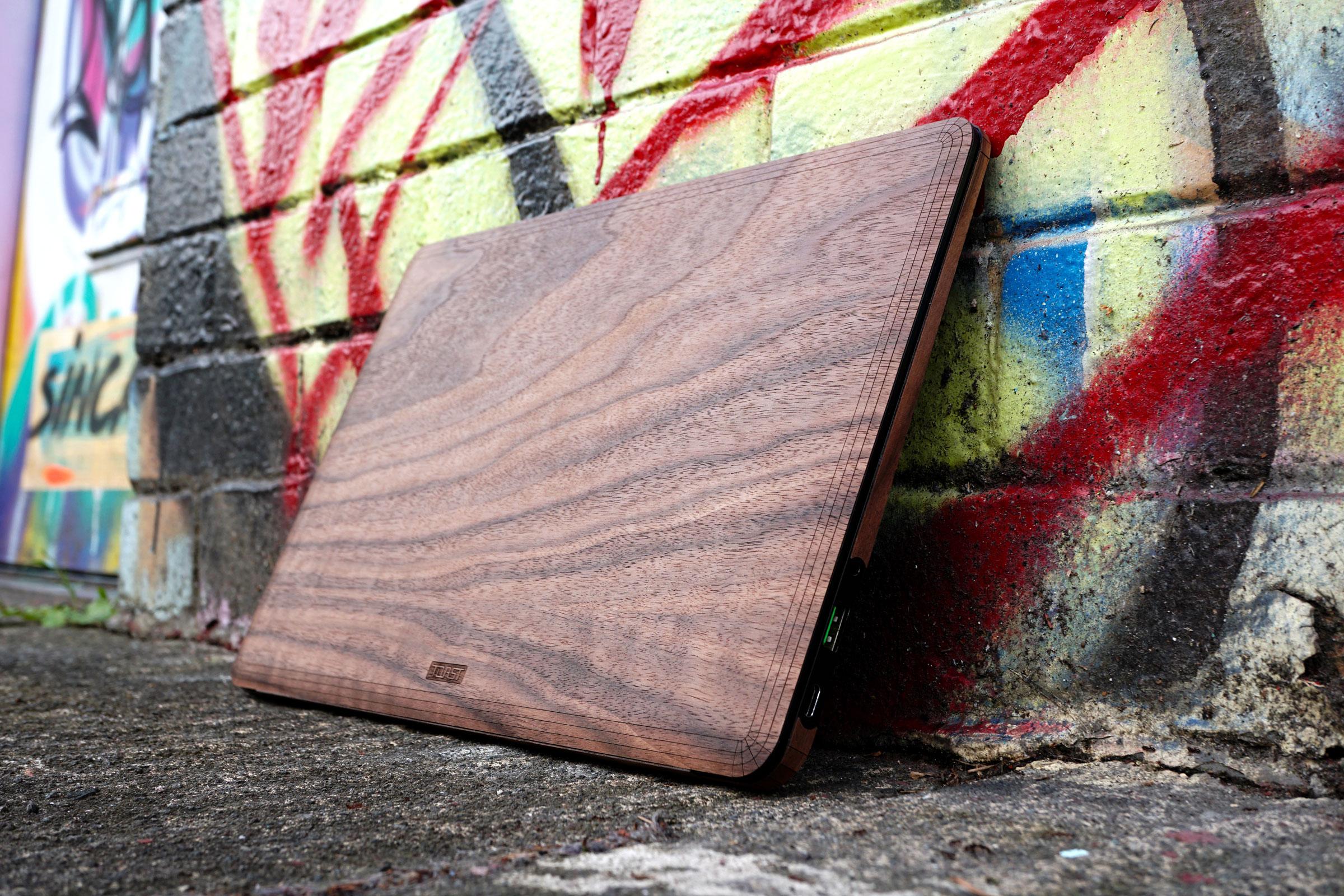razer-with-graffiti-wall.jpg