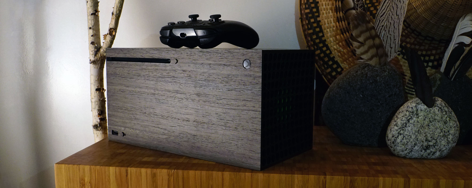xbox-x-ebony-with-feathers-banner-for-web.jpg