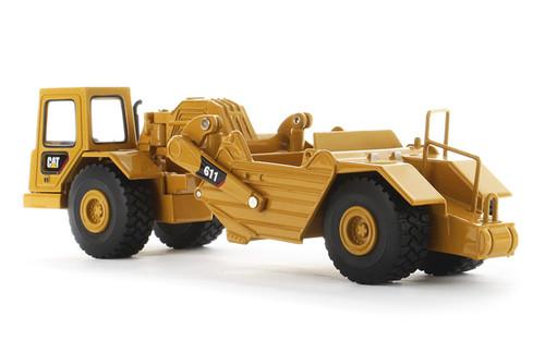 Diecast Masters Caterpillar 611 Wheel Tractor Scraper 1/64 85695