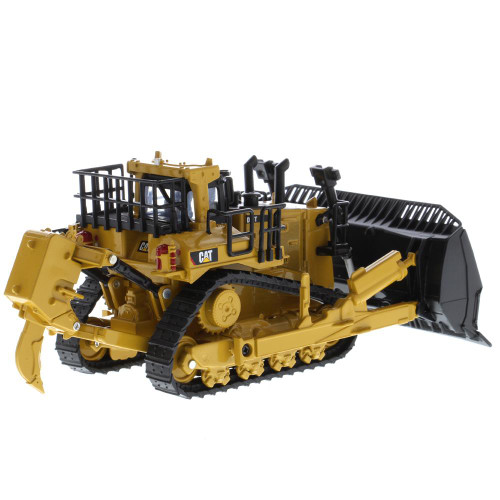 *Pre-Order* Diecast Masters Caterpillar Cat D11 Dozer with 2 Blades and Rear Rippers (JEL Blade Attachment) 1/64 Scale 85637