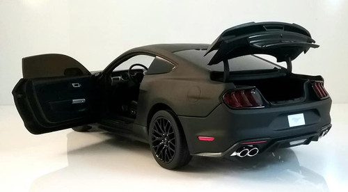 2019 Ford Mustang GT - Black 1:18 Scale Diecast Model by Diecast Masters