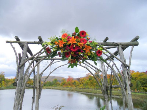Installation arch piece at the The Ponds in Bolton Valley