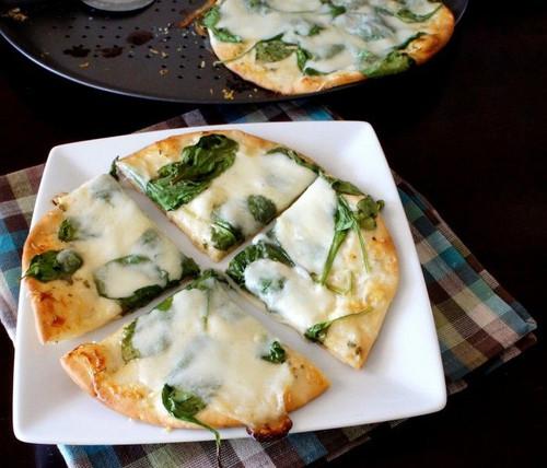 White Creme Fraiche Garlic Pizza - (Free Recipe below)