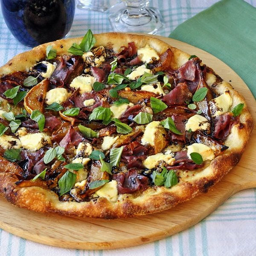 Caramelized Pear and Prosciutto Pizza - (Free Recipe below)