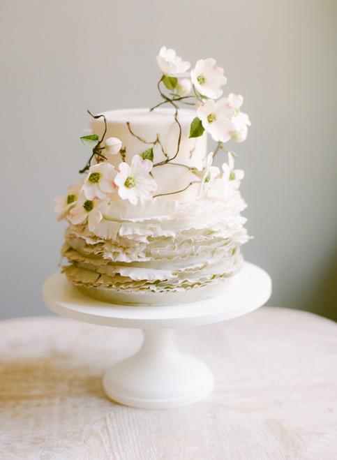Dogwood Elegance Wedding Cake
