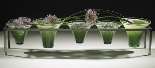 Pavlay Designed to suspend bowl and vases