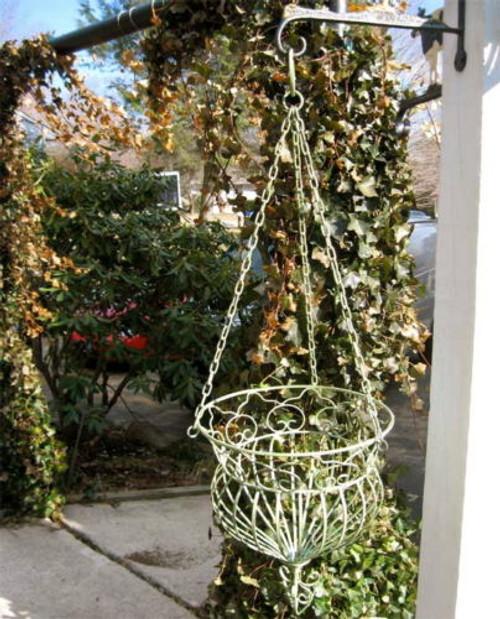 Acanus Iron Wall Hanging Planter Basket