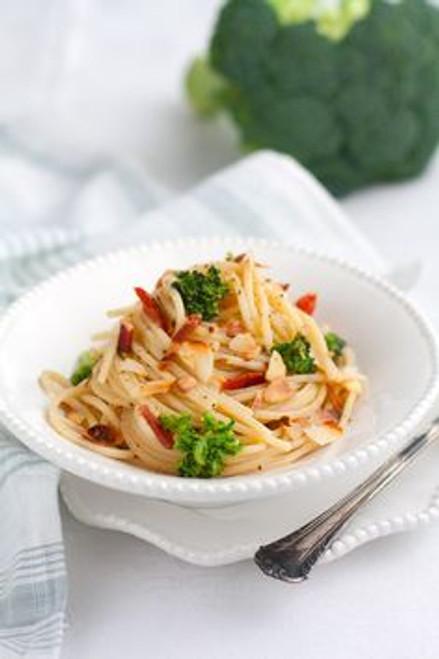 Spaghetti Alla Chitarra Con Broccoli Pancetta e Mandorle - (Free Recipe below