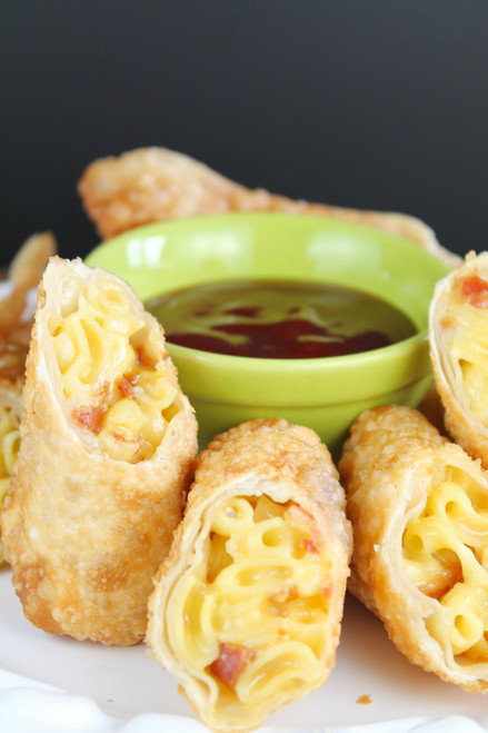 BACON MAC & CHEESE EGG ROLLS - (Free Recipe below)