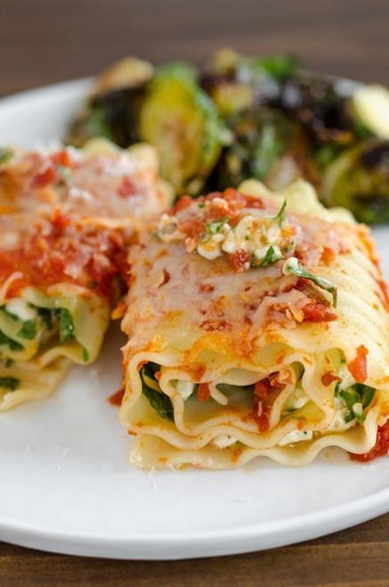 Spinach Lasagna Roll Ups - (Free Recipe below)