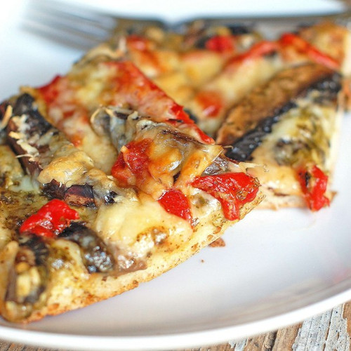 PORTOBELLO RED PEPPER & PESTO PIZZA - (Free Recipe below)