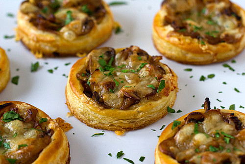 CARAMELIZED ONION, MUSHROOM & GRUYERE TARTLETS - (Free Recipe below)