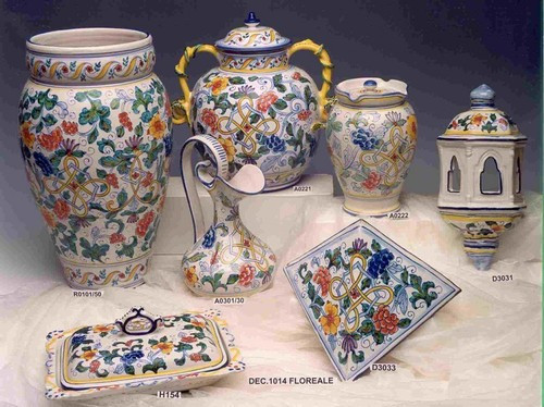 Floreal Ceramic Wall Pocket Scones