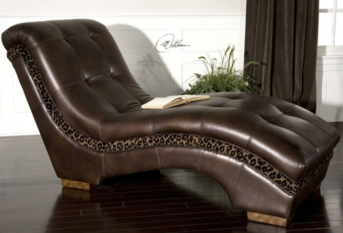 Divinity, Chaise
