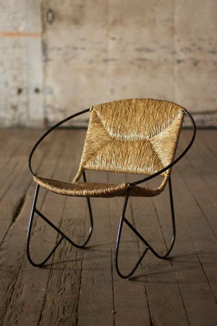 ROUND METAL TUBE CHAIR WITH WOVEN RUSH SEAT
