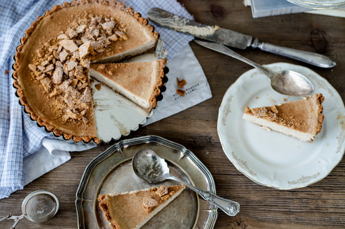 Vanilla Chai Spiced Cheesecake Pie - (Free Recipe below)