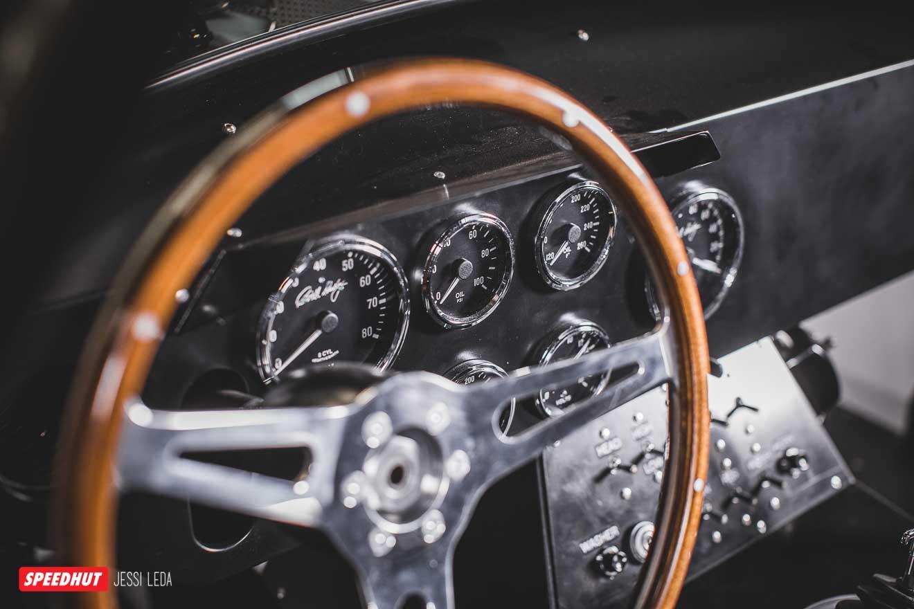 speedhut gauges in dashboard of shelby cobra