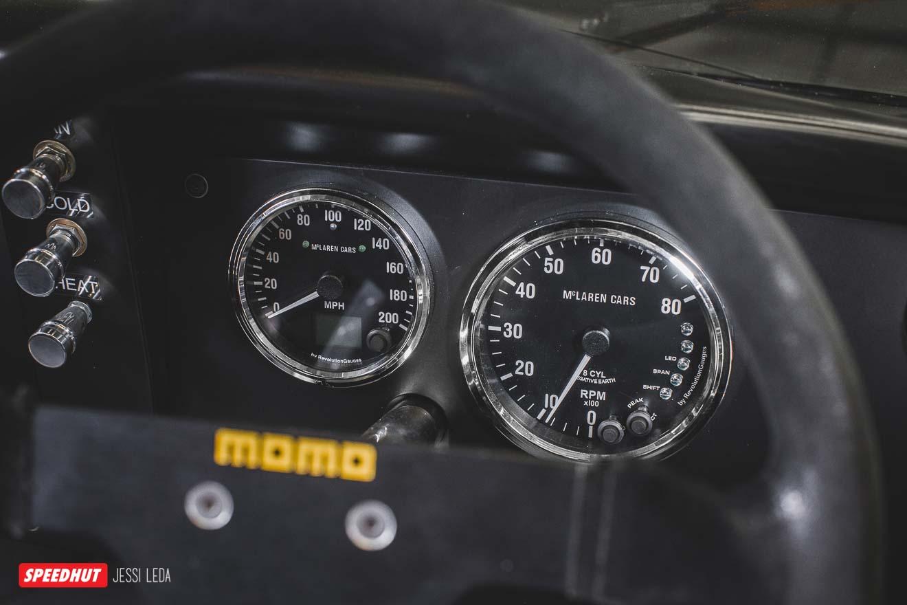 speedhut gauges in mclaren dashboard