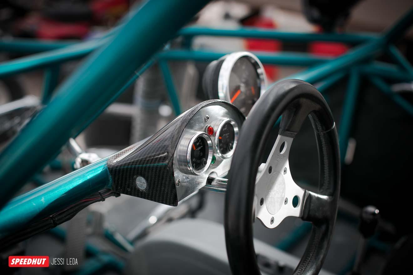 speedhut gauges in dune buggy dash