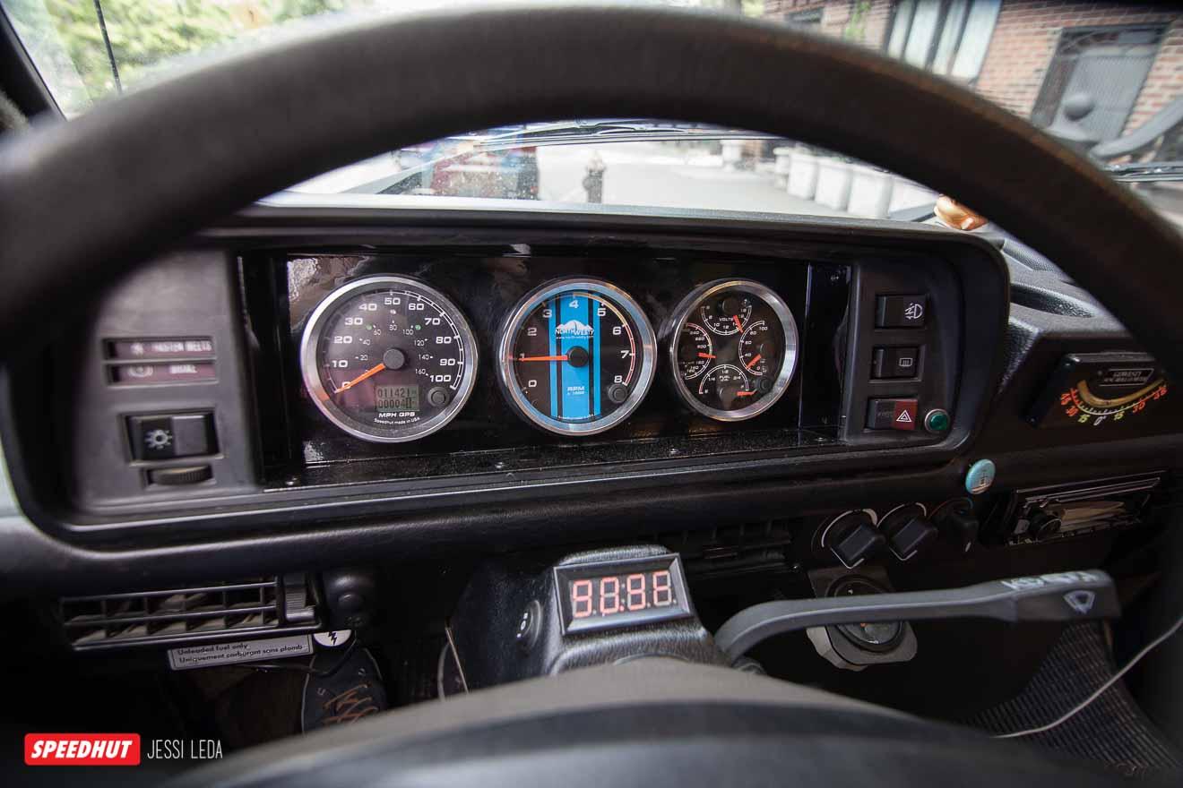 speedhut gauges in vanagon westfalia