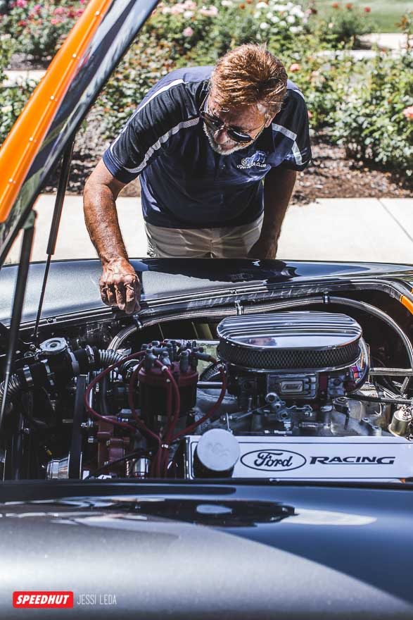 viewing engine of shelby cobra image