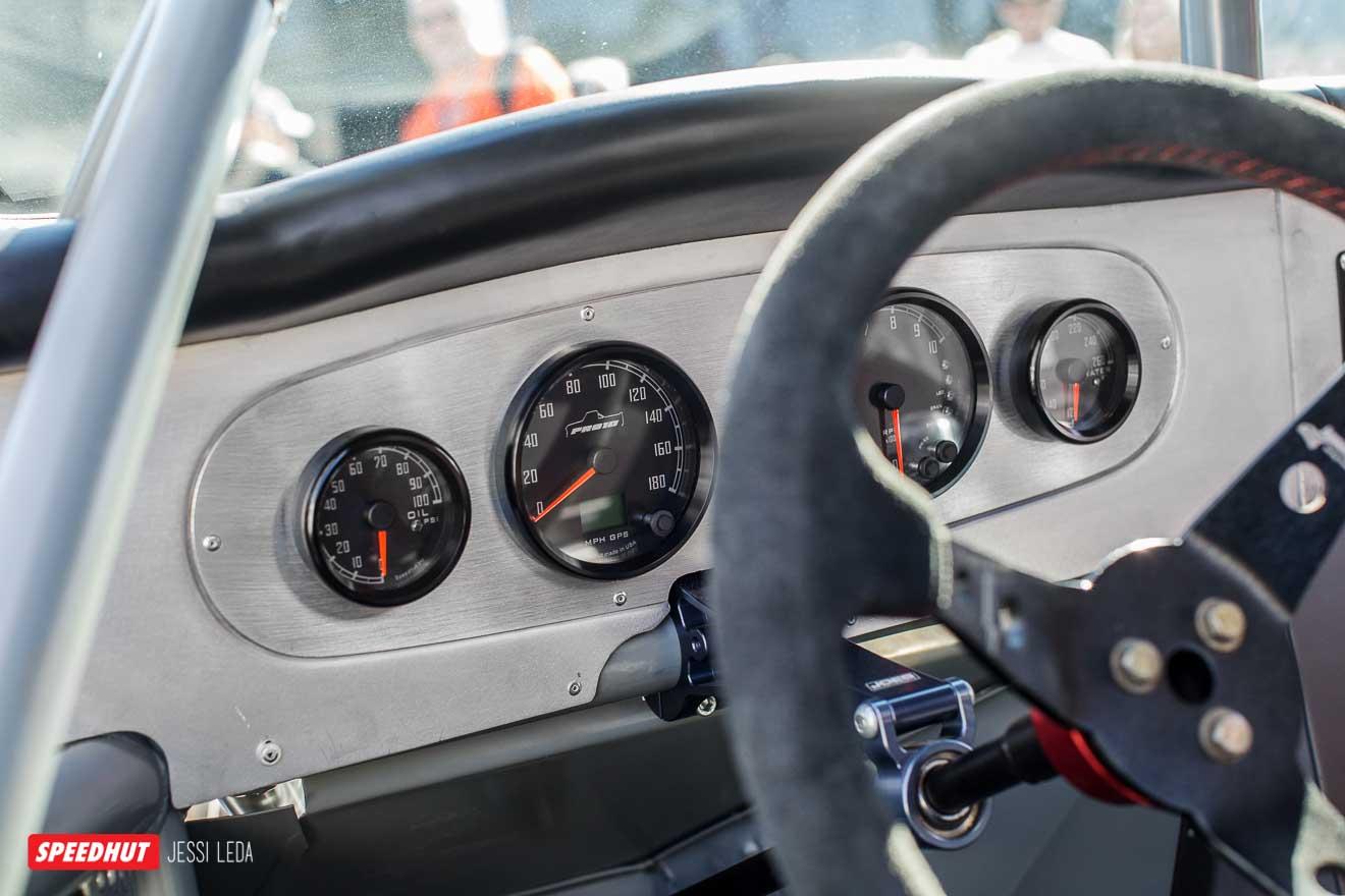 C10 dash of Speedhut gauges