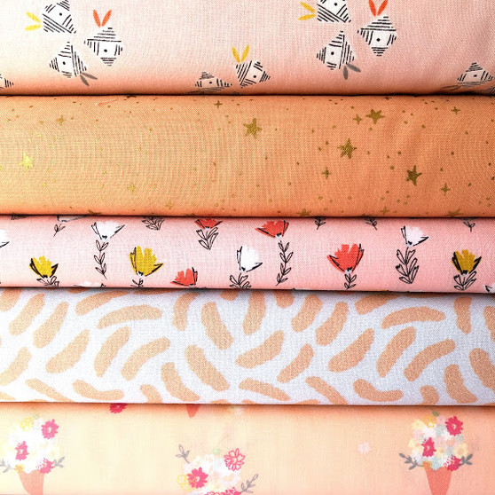 Peach Fat Quarter Bundle - 5 Fabrics