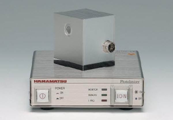 Hamamatsu L11757 Compact Cube Photoionizer Electrostatic Remover