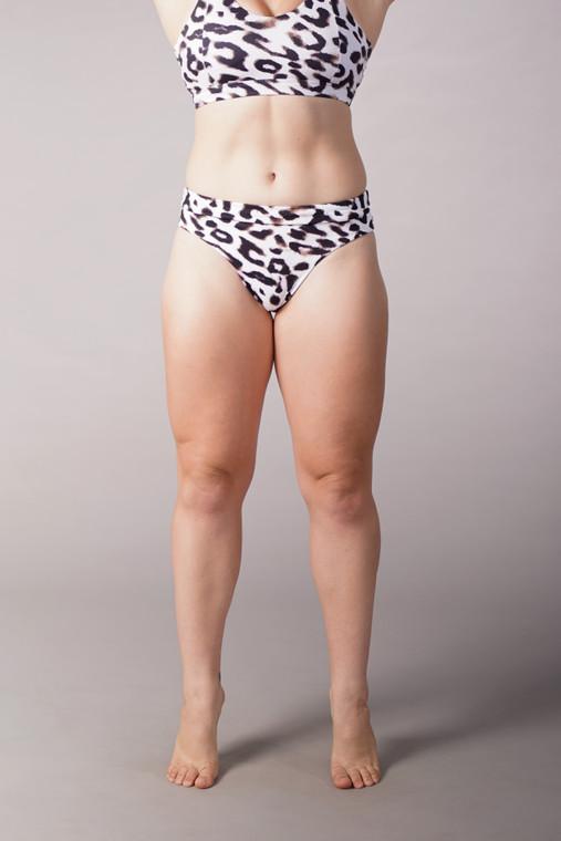 Off The Pole Classic Scrunch Shorts In Leopard