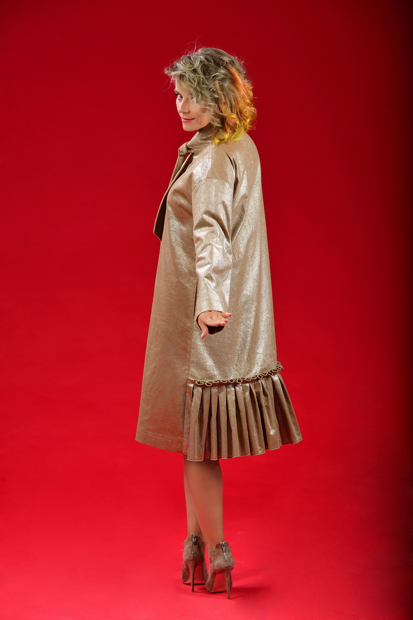 Care Coat (Pussy-Bow Silver-Touch Ribbed Brown Cotton Coat)