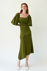 PHOENIX Pesto Midi Dress with Pleated Sleeves