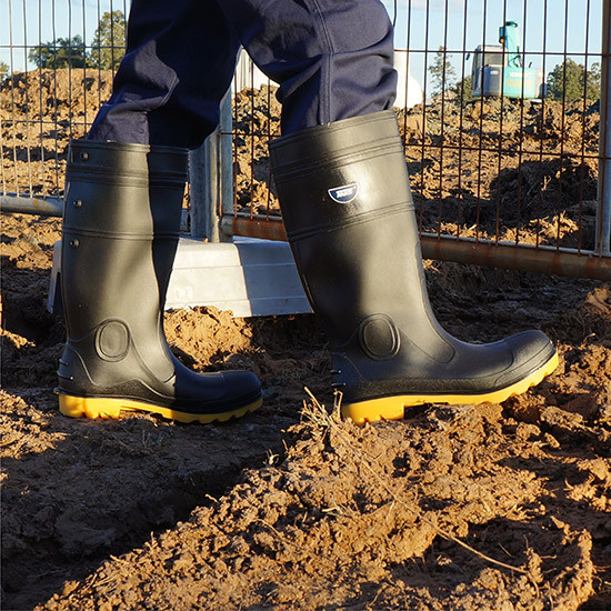 Steel toe gumboot black/yellow construction