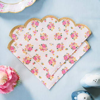 Truly Scrumptious Scalloped Napkins