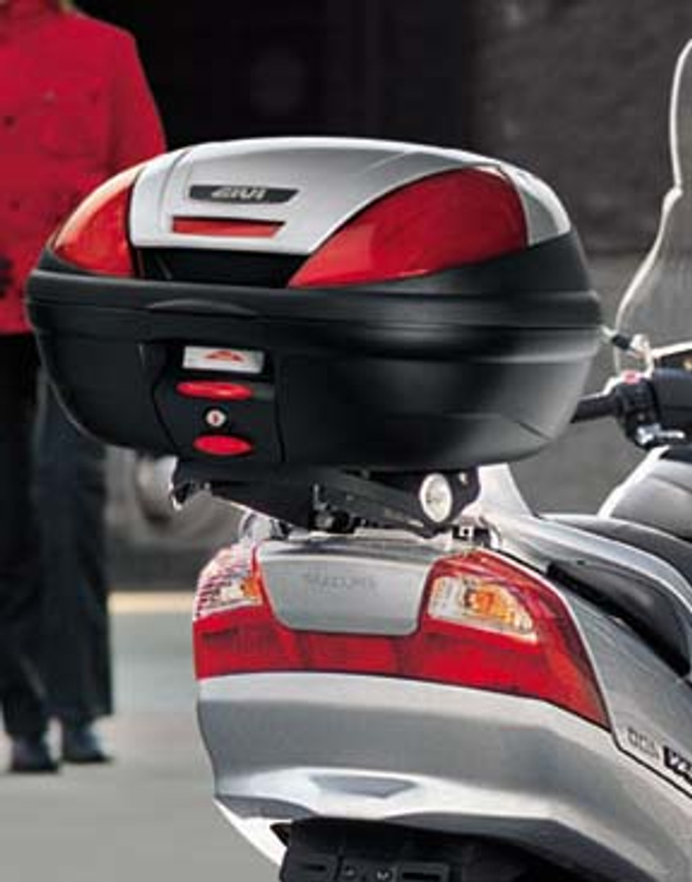 E370NT GIVI Monolock Top Box Commuter Cases (Tech Version), for Scooters, 39 L, with Black Tech Reflectors