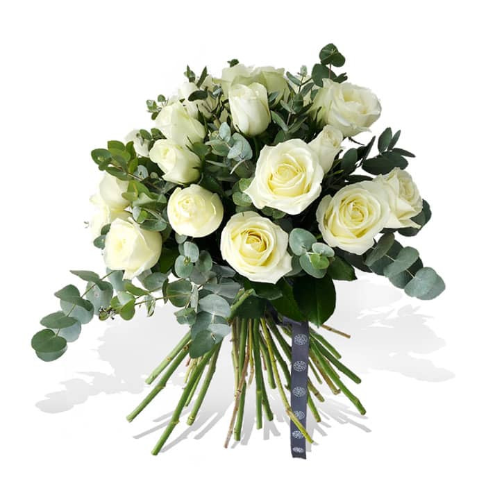 The all-time favourite flower and the lushest foliage have been put together in a bouquet suitable for any occasion. Roses Delight is available to purchase in 3 different versions (white, pink or orange). 20 roses and luscious eucalyptus cinerea to create a lasting impression.