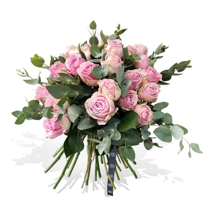 Pink rose bouquet with foliages