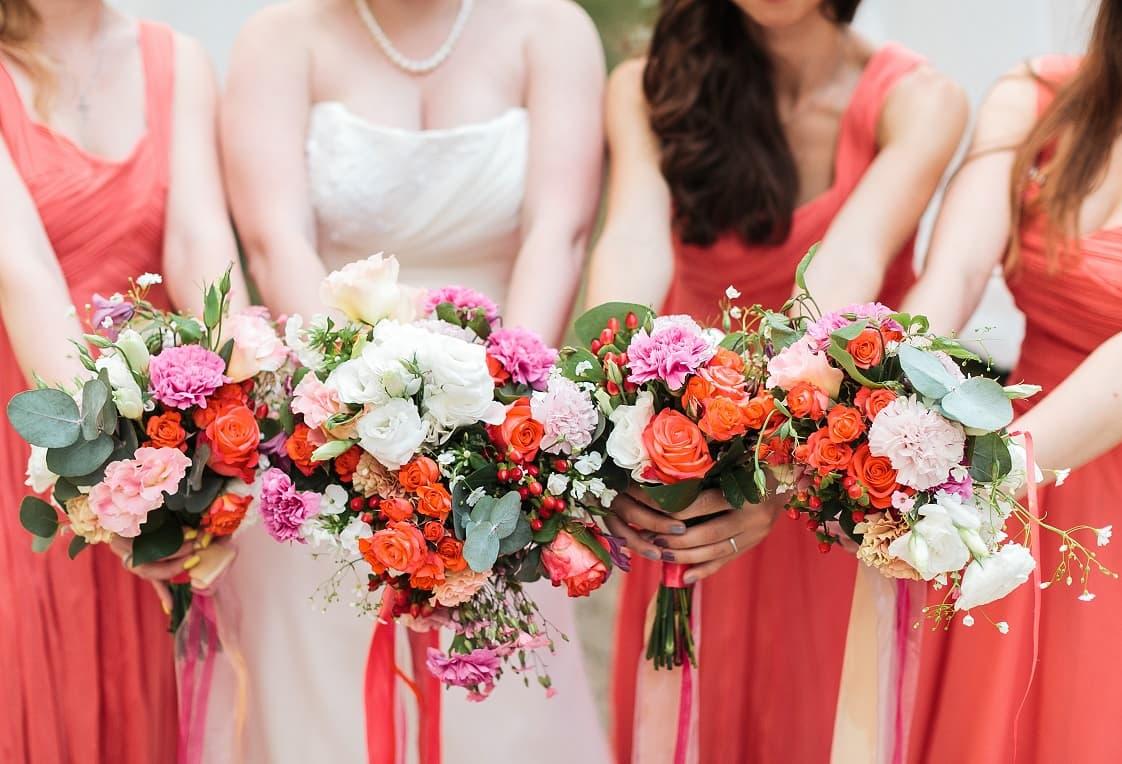 bridesmaids-bouquets.jpg