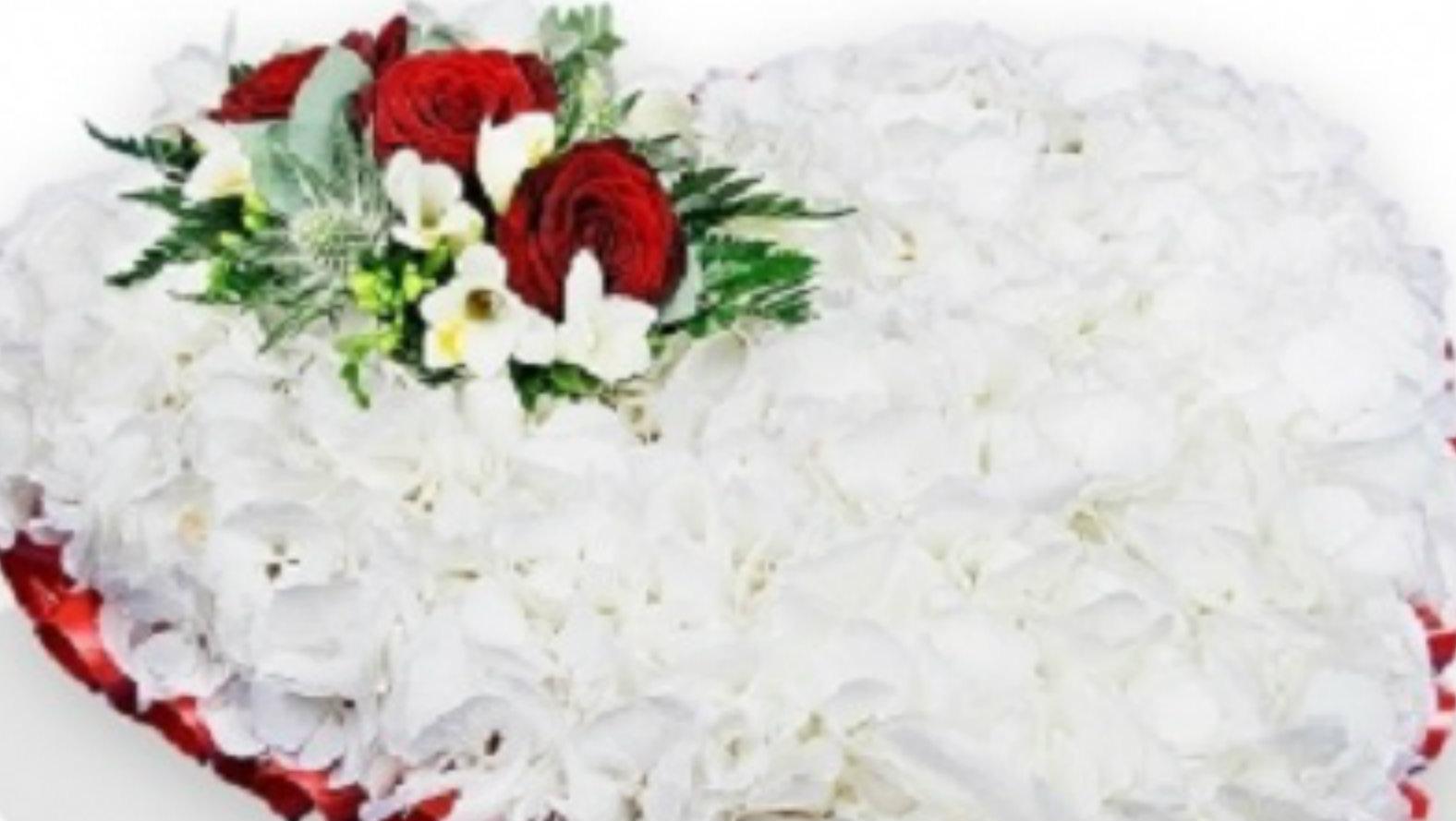 hydrangea-heart-flower-station.jpg