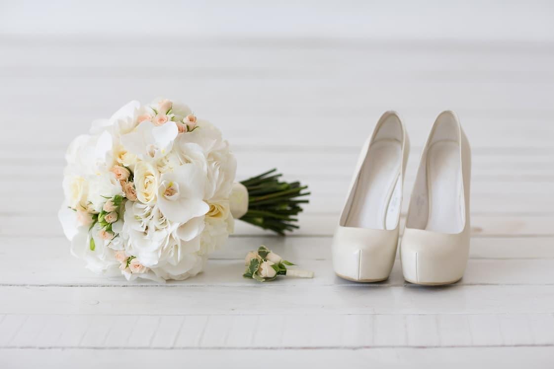 white-wedding-flowers.jpg