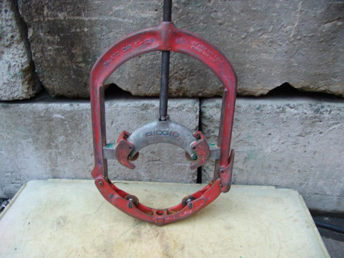 RIDGID 472 8-12 INCH HINGED PIPE CUTTER works fine