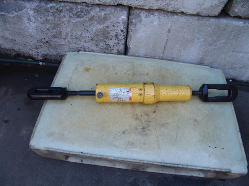 ENERPAC PULLPAC 30 TON CYLINDER MODEL BRP-306 PUSH PULL WORKS GREAT