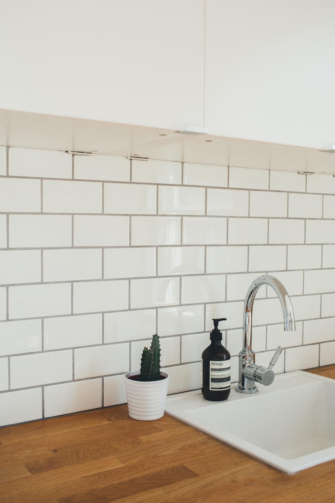 - 10 Kitchen Backsplash Tile Trends For 2019 - BELK Tile