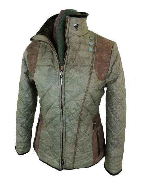 Womens  M/ XXL Available. Green Faux Fur Lined Quilt Jacket