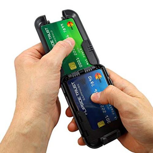 Flipside 4 Wallet open in hand cards exposed