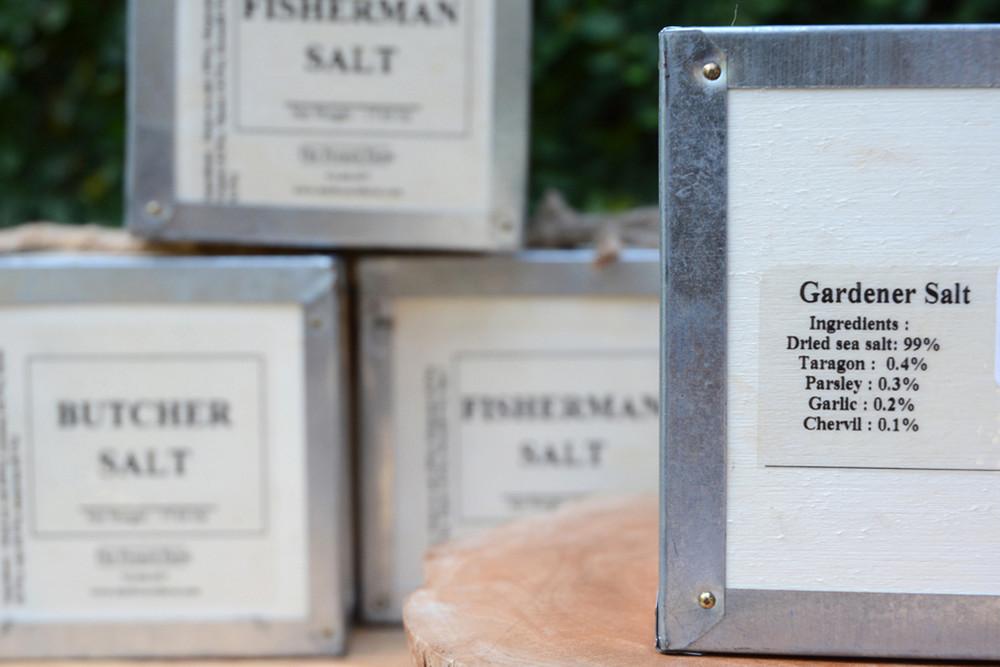 17.6 oz Gardener Salt Box