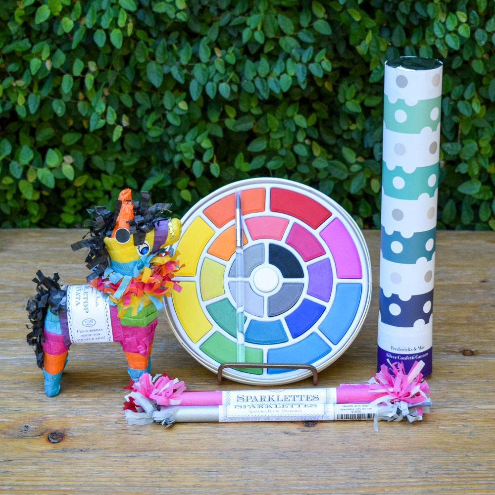 The perfect party favor or gift, these tabletop piñatas are sure to bring a smile to your face! Each piñata contains 6 random prizes tat may include: vintage inspired toy, riddle, sweets, gem, fortune, temporary tattoo, quote, or more.